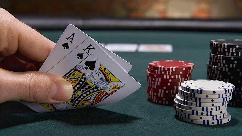 Glücksspiel: Zocker verspielt 1,5 Millionen Franken und beschwert sich