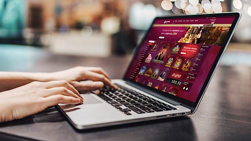 Online-Casino: Betreiber muss Spieler alle Verluste erstatten