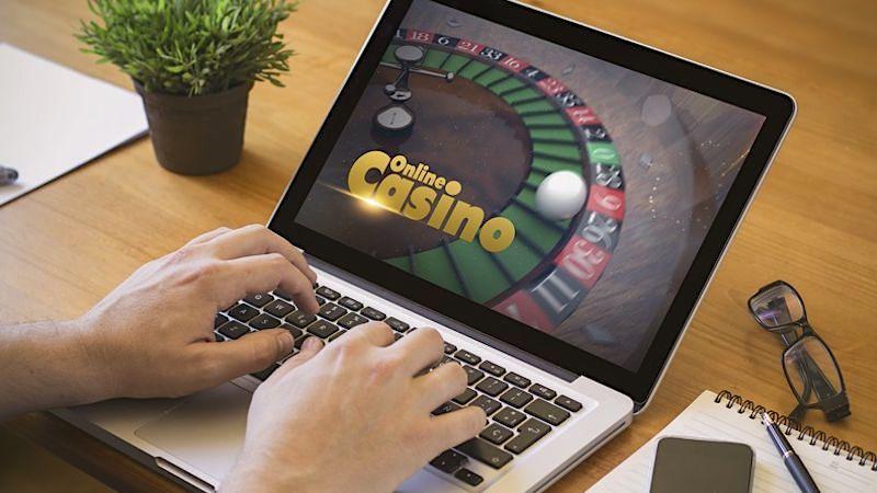 Online-Casinos: Glücksspiel bald erlaubt, doch Bedenken groß